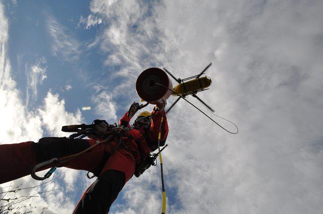 El Grupo de Rescate de Bomberos de Asturias en una de sus actuaciones. Imagen cedida por 112 Asturias