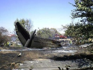Restos del avión de Spanair accidentado en Barajas el 20 de agosto de 2008