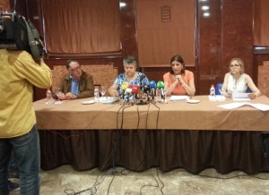 Miembros de la Red de Víctimas Españolas durante la presentación del Manifiesto