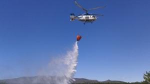 Helicóptero Kamov en labores de extinción. Foto: Ministerio de Agricultura, Alimentación y Medio Ambiente