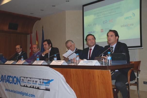 Debate sobre el estado de la Aviación celebrado ayer. Foto COPAC
